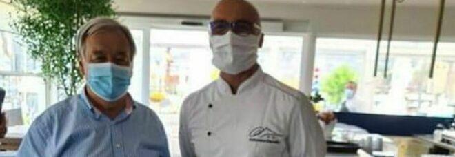 Antonio Guterres a Sorrento con lo chef-pizzaiolo Antonino Esposito