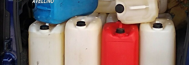 Napoletani presi in Irpinia con 425 litri di gasolio contraffatto