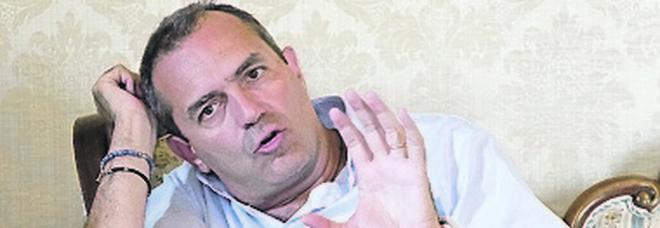 De Magistris: «Autonomia di Napoli con una moneta indipendente»
