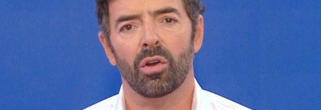 Alberto Matano, il fuorionda a Vita in Diretta: «Mara Venier mi ha rovinato il week end». Lei ascolta e reagisce così