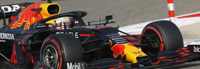 Gp del Bahrain, Verstappen in pole davanti alle Mercedes e a Leclerc