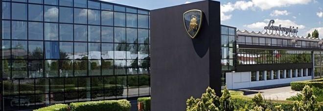 Lamborghini, meglio più soldi o più giorni di ferie? Lavoratori al voto sulla nuova intesa