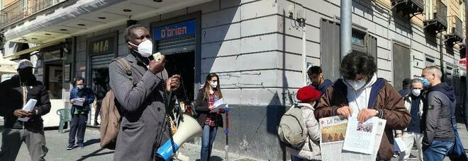 Napoli zona rossa, la protesta dei mercatali di via Bologna: «Ridateci lavoro e dignità»