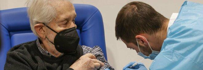 La denuncia: «Campania, nelle aree isolate difficoltà per vaccinare gli anziani»