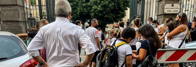 Covid in Campania, oggi 475 positivi e quattro morti: l'indice di contagio sale al 2,69%, aumentano le terapie intensive