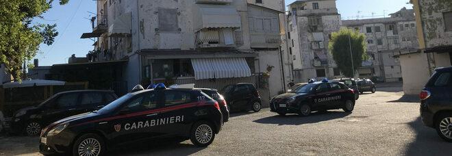 Blitz dei carabinieri a Torre Annunziata, smantellati 29 box abusivi
