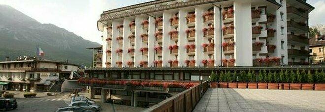 Focolaio Covid in un hotel a Cortina. Metà dei dipendenti sono positivi