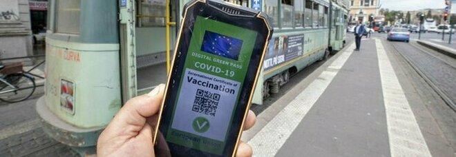 Green pass e obbligo vaccinale, dalla Francia alla Gran Bretagna: cosa fanno gli altri Paesi