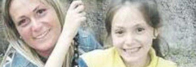 Bambina morta in piscina a Ercolano: «Lina giocava alla morte nell'acqua con le amichette»