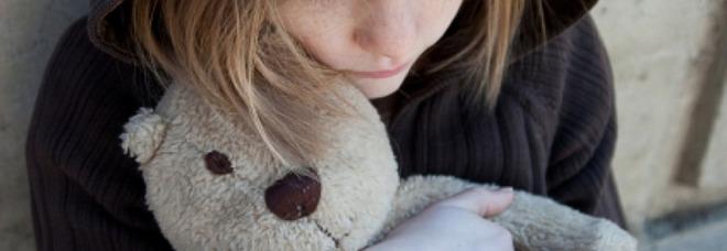 Stuprata dal padre orco dall'età di 6 anni per 4 volte al giorno: abortisce a 11 anni e partorisce un bimbo a 13