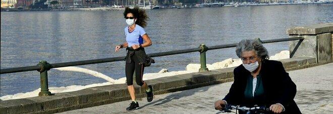 Covid, «solo 1 caso di contagio su 1.000 avviene all'aperto»: lo studio che riapre a sport, parchi e incontri fuori casa