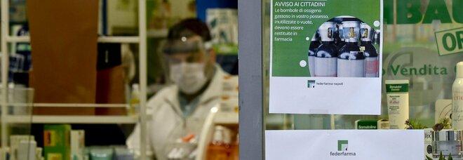 Covid: boom di contagi a Napoli, riesplode l'emergenza ossigeno. E al Cardarelli è caos pronto soccorso
