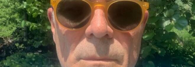 Zangrillo, selfie senza mascherina: «Modalità aria aperta per persone sane di mente». Ed è polemica