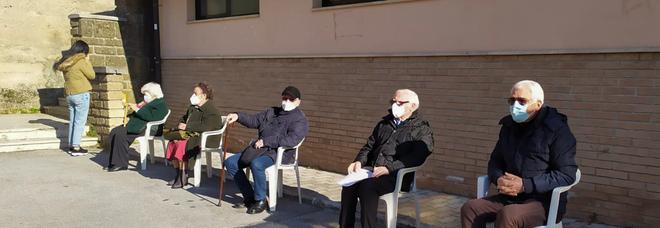 Covid ad Avellino, vaccini per i docenti inoculati anche al Campo Coni