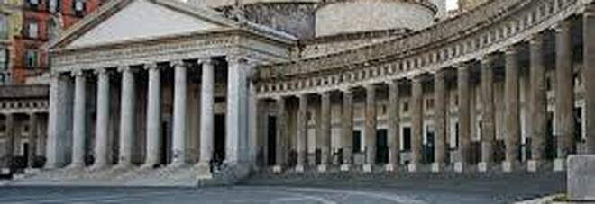 Napoli: torna il Salone del Libro, gli stand in piazza del Plebiscito