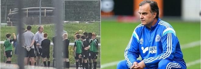 Premier League in vacanza ma Bielsa allena i bambini del Leeds