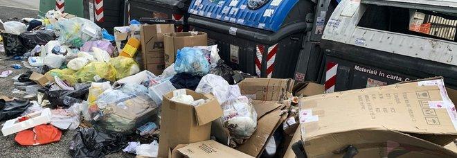 Roma, voto anti-discarica, M5S a pezzi. E Raggi chiede aiuto all'esercito