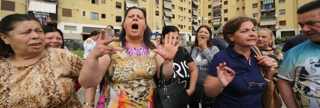 Rischio sgombero nelle case set di Gomorra: protesta a Scampia
