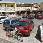 Ladri di biciclette, negozio svaligiato nel Napoletano: via con 70 bici