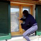 Furto in casa nel Napoletano, i ladri messi in fuga dalle urla della gente