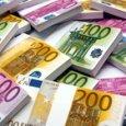 Gli italiani restano al top per dipendenza da contante