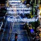 «Napule è», il testo di Pino Daniele luminaria record nel rione Sanità