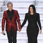 Sanremo 2018, Laura Pausini si esibisce ma la tv è oscurata: problemi tecnici per la Rai