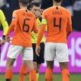 Olanda-Germania, arbitro piange  per la madre morta e van Dijk lo abbraccia