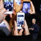 Apple, il nuovo iPhone avrà uno schermo curvo e più grande