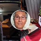 L'ultimo saluto a Pino Caruso: parenti e amici in lacrime per il comico siciliano