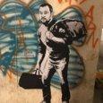 Firenze, Matteo Salvini in versione «fuggitivo»: il nuovo graffito di Random-Guy