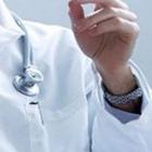 Medico e pazienti fumano in corsia, pioggia di multe negli ospedali