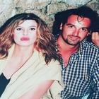 Alba Parietti e la foto del 1994 con il volto famoso della tv: ecco chi è il ragazzo con la camicia a quadri
