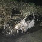 Auto distrutta a Sant'Agata de' Goti: è giallo sul rogo