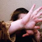 Minaccia di uccidere l'ex con l'acido: «Ti troverò»