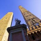 Recintata per il restauro torre Garisenda a Bologna