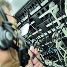 Cellulari costruiti in Oriente: allarme spie anche in Italia