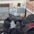 Avellino, due auto in fiamme rischiano di esplodere in centro