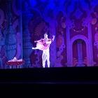 Alessandra, giovanissima ballerina alla corte di Mihail Aleksandrovich