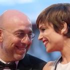 Micaela Ramazzotti nervosa al ristorante, battibecco con un uomo: «Magna tranquilla...»