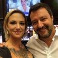 Asia Argento, selfie con Matteo Salvini dopo la lite in tv: «Bacioni m...»