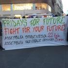 Studenti e movimenti ambientalisti in piazza per salvare il pianeta