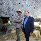 Morgan Freeman stregato da Pompei: la star ancora negli Scavi