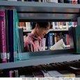 Più della metà dei giovani non ha letto un libro nell'ultimo anno: una famiglia su 10 non li ha in casa