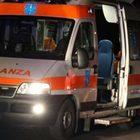 Frontale tra van e furgone: un morto e tre feriti