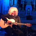 «La musica è assoluta»: Angelo Branduardi incanta Torre del Greco Video