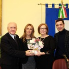 La prof accoltellata in classe «donna dell'anno» in Campania
