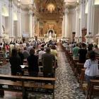 Sosta davanti alla chiesa si paga in dieci Ave Maria