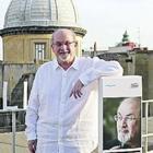 Il ritorno di Salman Rushdie: «Non temo più Napoli, ho vinto la mia fobia»