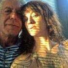 Asia Argento e il dolore su Instagram per la morte di Bourdain: «Due settimane senza di te»